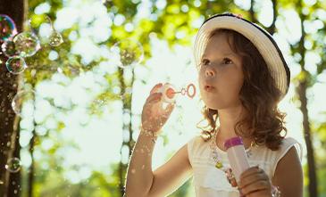 Detergente também é diversão: é hora de brincar de bolha de sabão
